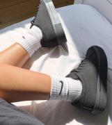 ASOS DESIGN— Day Time— Sorte chunky sneakers med snører